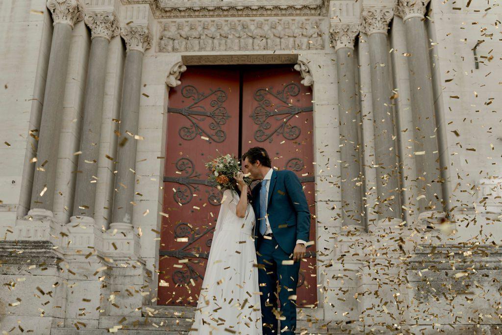 sortie église mariage catholique